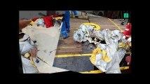 Crash du vol Lion Air: les sauveteurs fouillent les débris