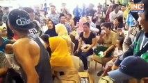 Incidente aereo in Indonesia: la notizia del disastro viene comunicata ai familiari dei passeggeri