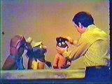"Anything Muppets sing ""Yellow Submarine"" (take 2; w/Bob intro, German audio only)"