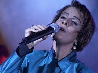 Leila Pinheiro - Besame / Citação Instrumental: Contra Milonga A La Funerala