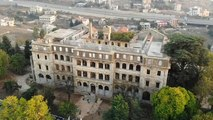 """لبنان: فندق """"صوفر الكبير"""" يعود للحياة كمعرض للوحات التاريخية"""