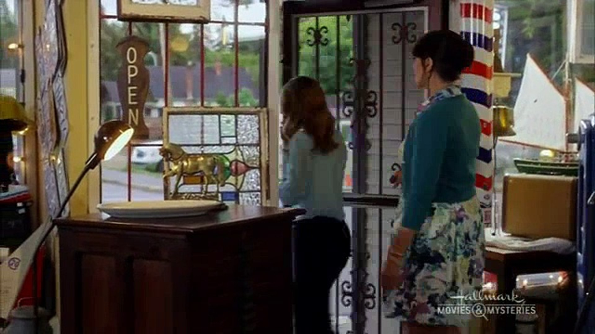 Garage Sale Mystery The Beach garage sale mystery s01e10 the art of murder vol. 01