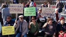İzmir'de vatandaşlar taş ocağına temsili referandum ile 'hayır' dedi