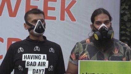 Manifestantes exigen en Delhi medidas contra la contaminación del aire