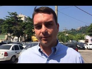 Flávio Bolsonaro adimte aliança com MDB e apoio a Renan no Senado