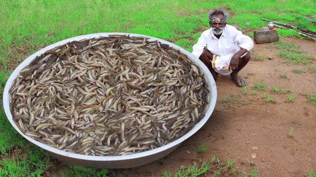 Rare River Fish Kulambu Prepared by my daddy - Ayirameen Kulambu - Village food factory