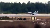 Ce pilote de chasse doit s'éjecter au décollage alors que son avion prend feu