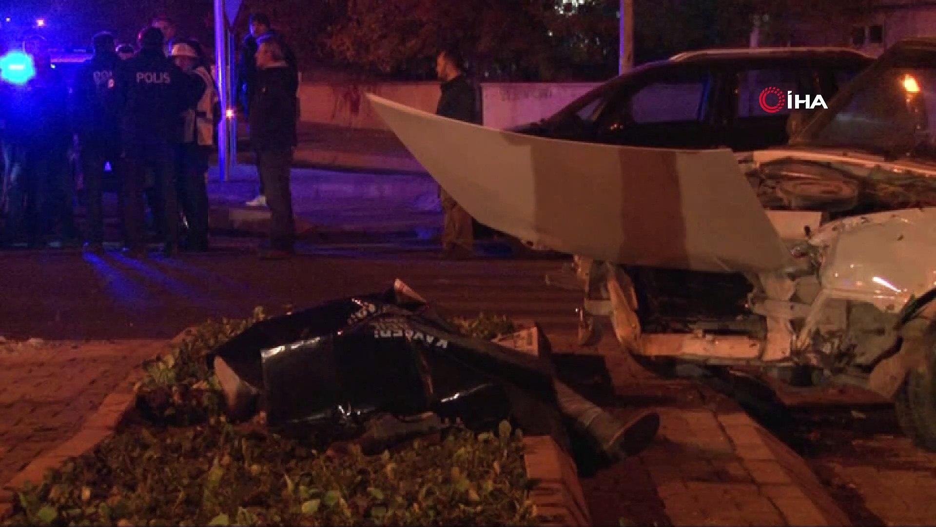 Otomobiller çarpıştı: 1 ölü, 1'i çocuk 3 yaralı