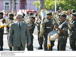 """Fim nostálgico do PT... Agora ataca Exército por sua """"destruição moral"""""""