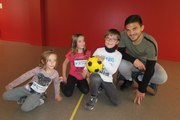 VIDEO. Tours : des enfants malades initiés au foot par des joueurs du Tours FC