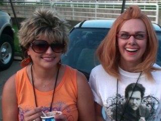 Laura Bell Bundy - Laura Bell Bundy And Miranda Lambert CMT Vote Video