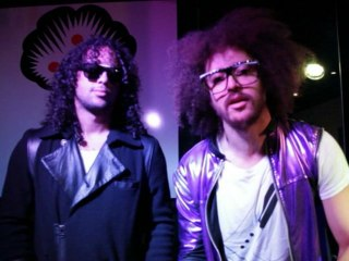 LMFAO - Party Rock Anthem: Teach Me How To Shuffle