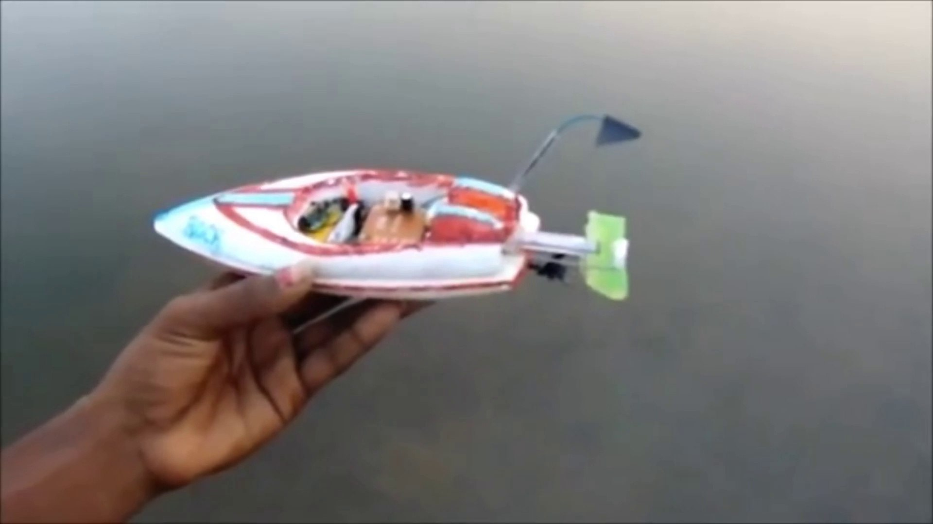 how to make a small fast moving rc boat at home