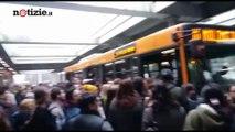 Incidente in metropolitana a Milano: 14 feriti, un 58enne in codice giallo   Notizie.it