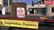 VIDEO. Mignaloux-Beauvoir : les éleveurs de la Confédération paysanne manifestent.