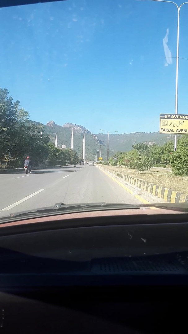 Islamabad Avenue road .....beautiful view of Margalla hills and Faisal Mosque .and beautiful weather