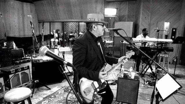 Elvis Costello And The Roots - Walk Us UPTOWN