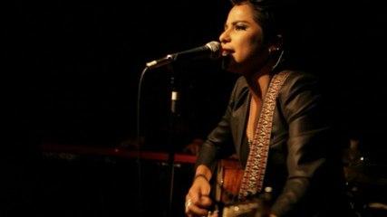 Vicci Martinez - Come Along