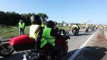 Gilets jaunes: les motards font le tour des différents points de blocage