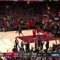 LeBron James terrasse les Raptors au buzzer
