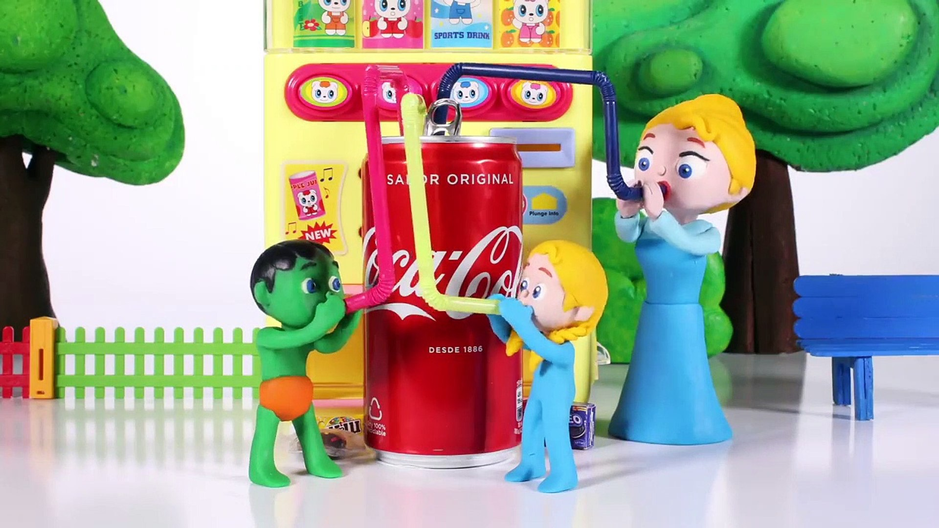 KIDS PLAYING WITH A VENDING MACHINE  PLAY DOH CARTOONS FOR KIDS