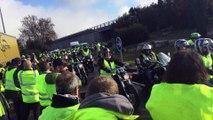 Avignon Nord : les motards rejoignent les gilets jaunes
