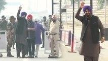 Navjot Singh Sidhu बिना VISA Kartarpur Corridor के लिए Pakistan हुए रवाना  । वनइंडिया हिंदी