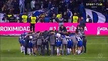 Belle action de Yacine Brahimi en fin de match