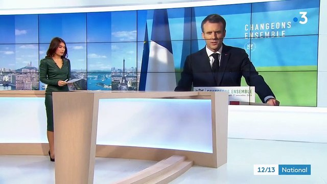 """""""Gilets jaunes"""" : Emmanuel Macron cherche à """"temporiser"""""""