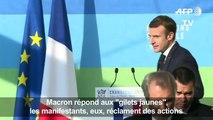 """Annonces de Macron: réactions de """"gilets jaunes"""" en Bretagne"""