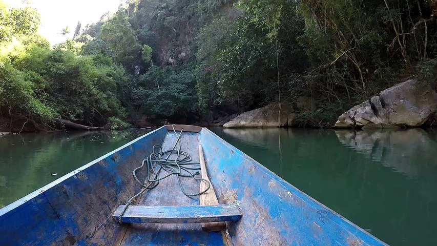 Laos - Thakhek loop Kong Lor Cave entrance