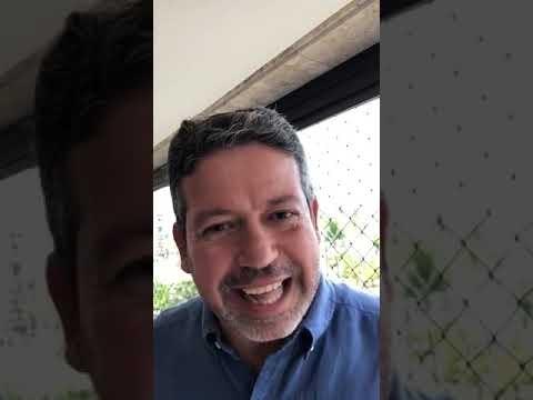 """Arthur Lira diz que Renan Calheiros é """"velho e velhaco"""", e chama Renan Filho de """"velhaco Júnior""""."""