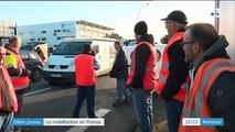 """""""Gilets jaunes"""" : la mobilisation s'étend partout en France"""