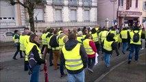 Gilets jaunes: ils ont manifesté dans les rues d'Oyonnax