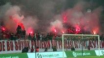 Galatasaray, derbi maç öncesi taraftara açık antrenman yaptı (1) - İSTANBUL