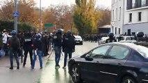 Plusieurs dizaines de lycéens font face à la police devant le lycée Vaucanson de Grenoble