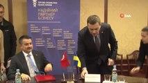 Tarım ve Orman Bakanı Pakdemirli Kiev'de- Tarım ve Orman Bakanı Bekir Pakdemirli, Ukrayna Tarımsal...