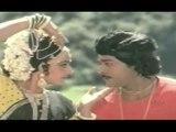 Chiranjeevi & Jayaprada Telugu Hit Song Ooremitamma Peremitamma || Veta Movie