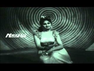 """Aap Hai Kya Ji"" | Asha Bhosle | Usha Khanna | Trip To Moon Film"