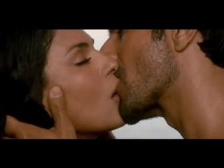 LEAKED - Veena Malik And Ashmit Patel's Hot Kissing Scene - Super Model
