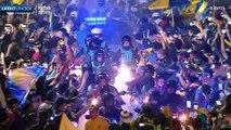 L'ambiance indescriptible lors du départ du bus de Boca Juniors