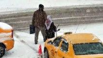 Sarıkamış ilçesinde kar yağışı etkisini artırdı - KARS