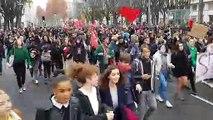 Des milliers de lycéens dans les rues de Lyon