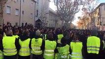 Manifestation des lycéens à Carpentras : quand les gilets jaunes aident la police
