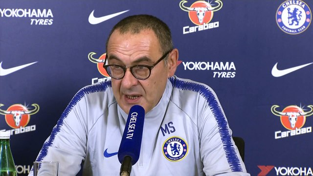 Chelsea's Sarri says he doesn't know how to beat Guardiola ahead of Manchester City match