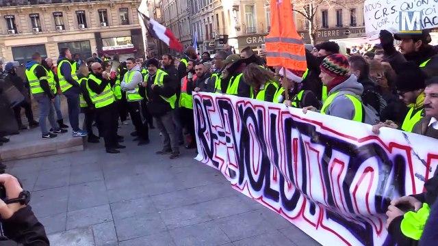Manifestation gilets jaunes et gilets verts du 8 décembre à Marseille