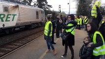 Blocage de la gare SNCF de Bollène par les Gilets jaunes