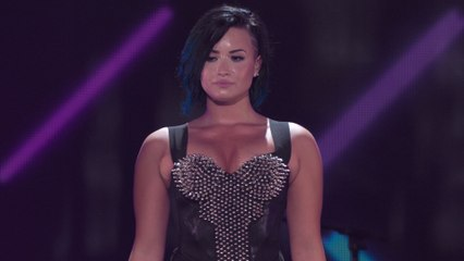 Demi Lovato - Neon Lights (Vevo Certified SuperFanFest)