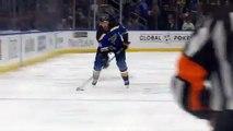 NHL : les arbitres annulent un but... marqué involontairement par un arbitre !