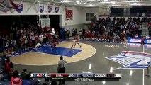 Basket-ball : il explose la planche en ratant son dunk